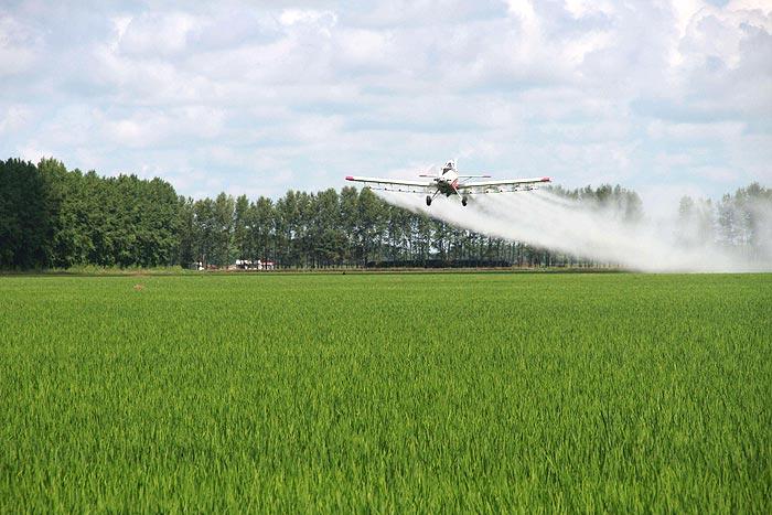 美国农场飞机喷洒图片