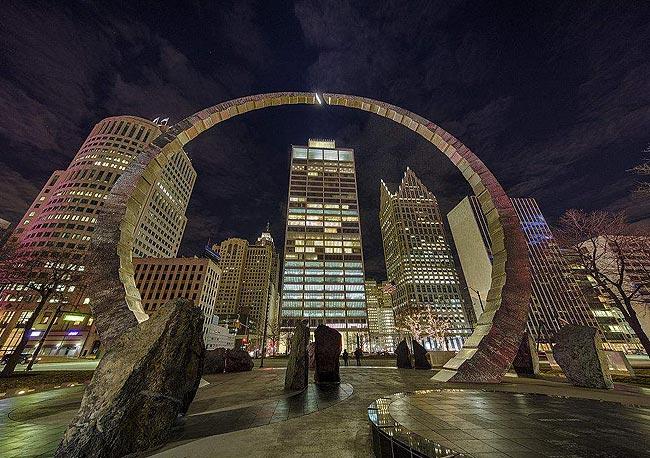 美国底特律房价巅峰时的城市夜景