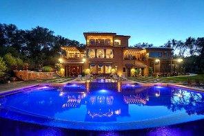 美国豪宅销售和价格飙升