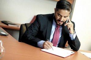 买房或卖房是否需要房地产律师出席
