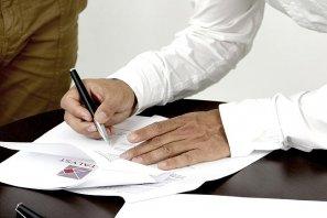 美国购房贷款资格不够,需要共同签名者吗?