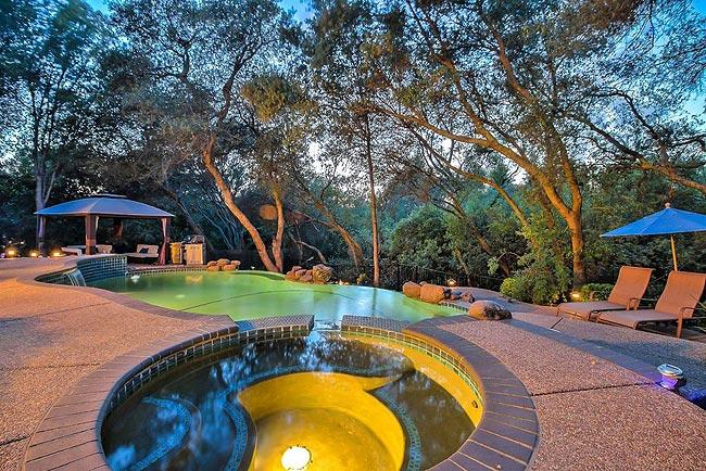 宁静优雅的四居带泳池房产-4