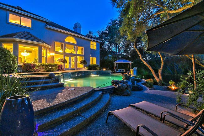 宁静优雅的四居带泳池房产-5