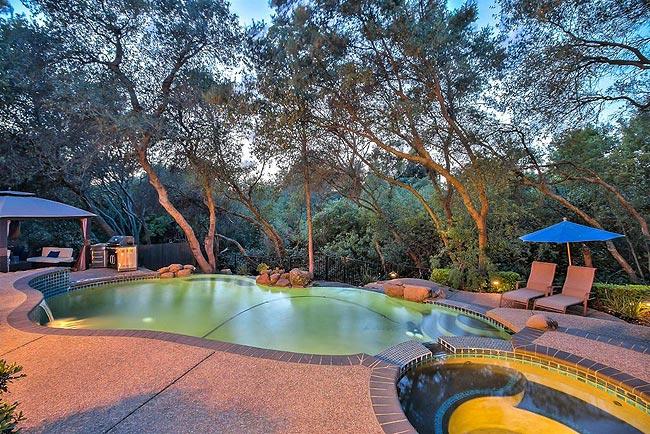 宁静优雅的四居带泳池房产-7