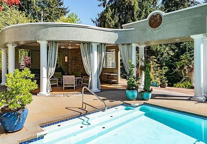 美国最著名的悬疑小说作家Jance改造的花园房产-10