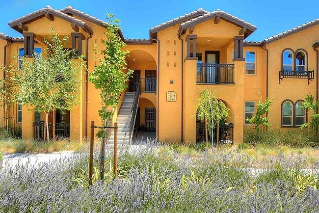 投资多个单元的美国公寓住宅,拥有稳定现金流